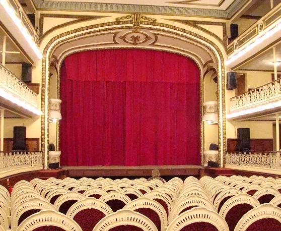 Riapertura di un teatro grazie ai ventilatori Nolo Climat