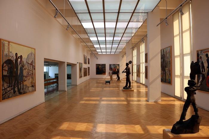 Noleggio deumidificatori per la ristrutturazione di una galleria d'arte