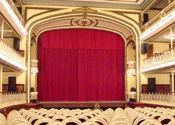Chiller a noleggio per il restauro di un teatro