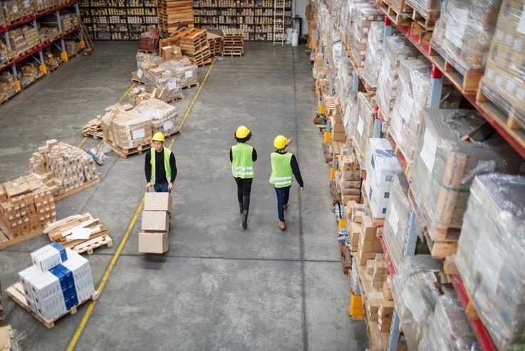 Estrattori d'aria per la ristrutturazione di un magazzino