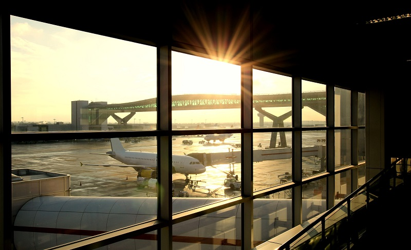 Noleggio condizionatore rooftop per gli uffici e l'officina di un aeroporto