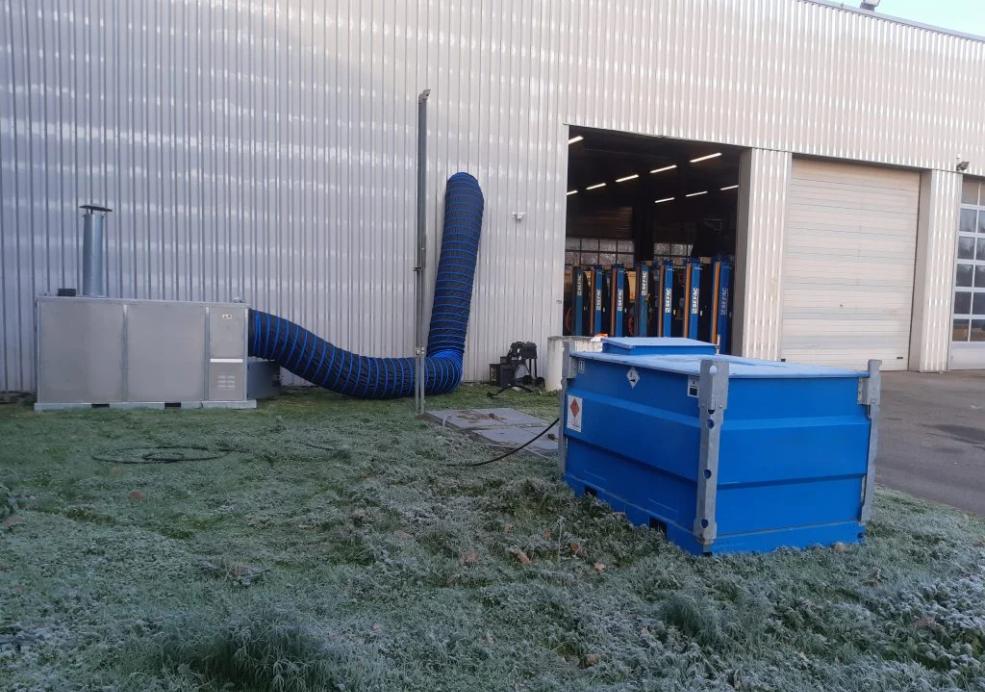 Riscaldamento d'emergenza per un'officina di manutenzione di mezzi pesanti