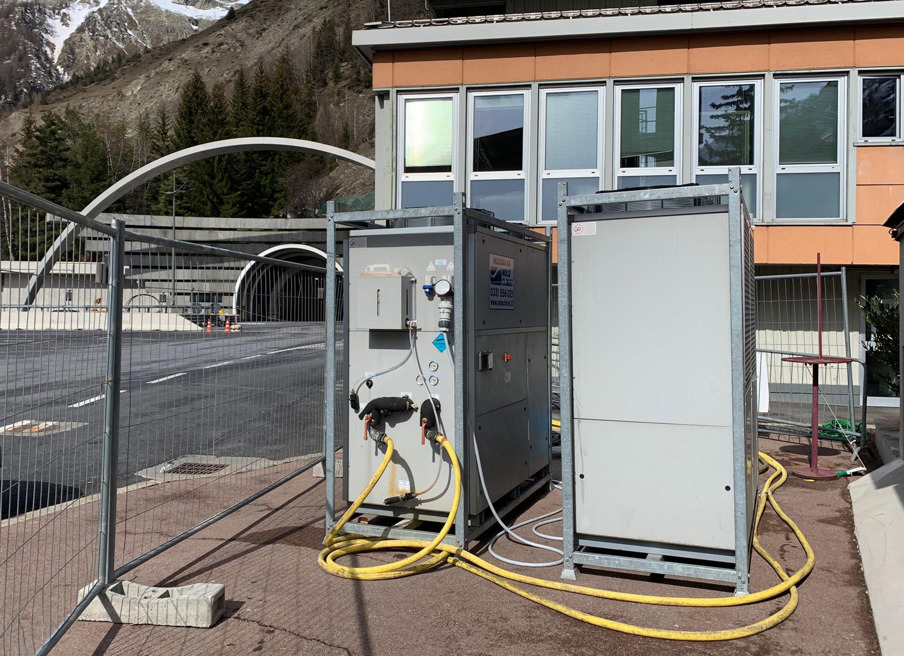Chiller, fan coils e condizionatori per il data center di un traforo alpino