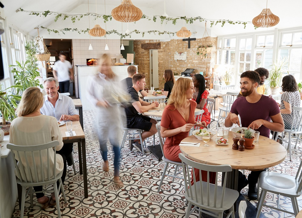 Guida alla ventilazione per il settore della ristorazione e dell'hospitality